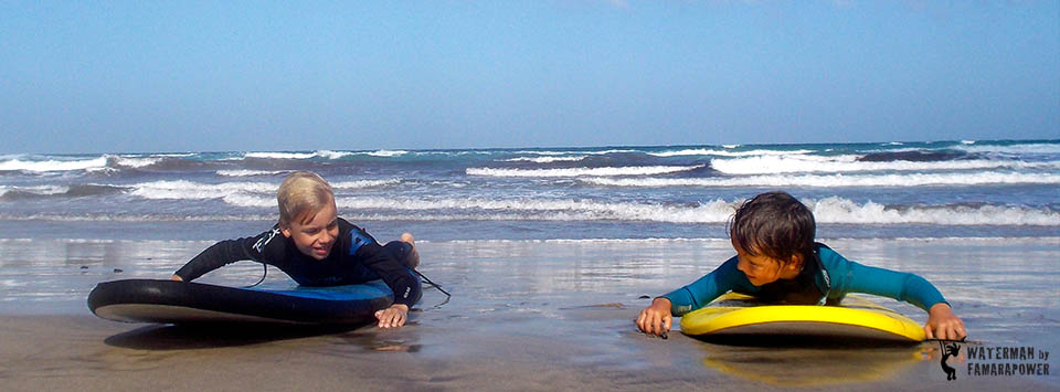 kids-surfing-lessons-on-famara-beach