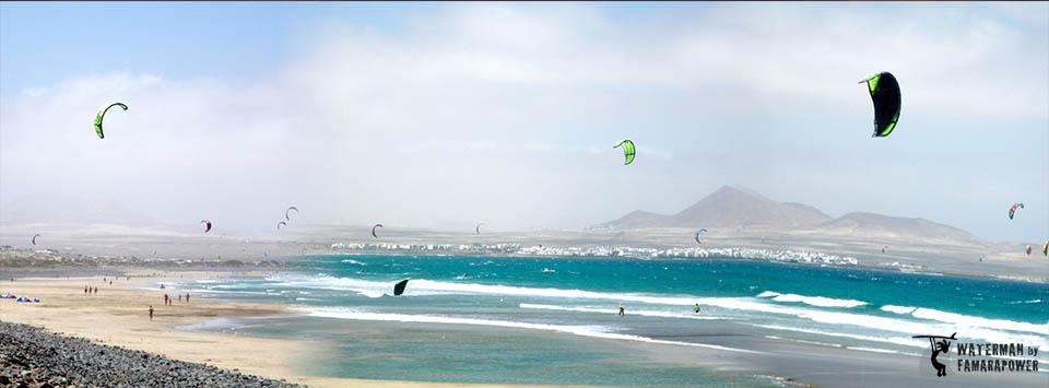 kitesurfing-in-Famara-Lanzarote